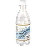 Lätt kolsyrat friskt Moravatten som kommer direkt från den rullstensås som kallas Älvdalsåsen. Den har en lätt kalkhalt annars smakar det precis som vatten ska göra. Friskt och gott! Finns även som 33 cl glasflaska.